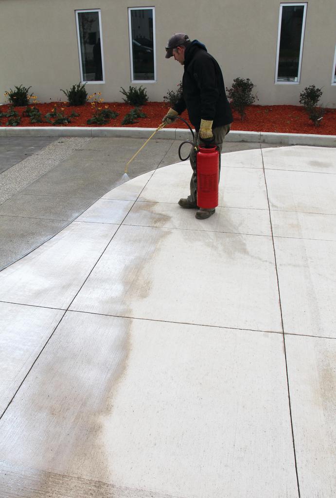 Sealing compound for concrete