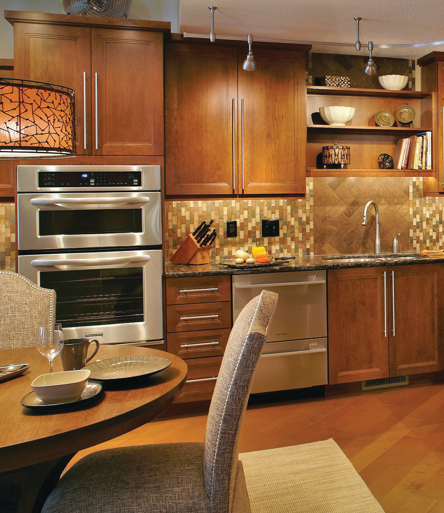 Centra EuroStyle Cabinets