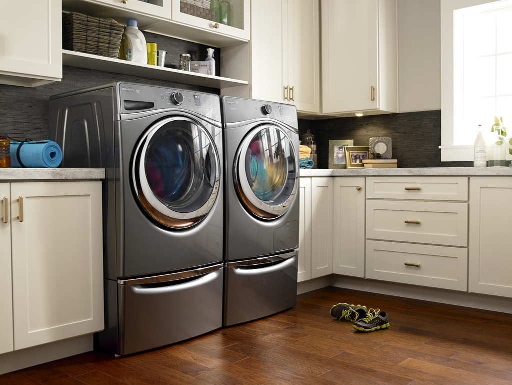Clothes dryer saves energy, can be placed anywhere
