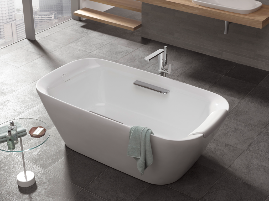 Neorest Freestanding Soaking Tub