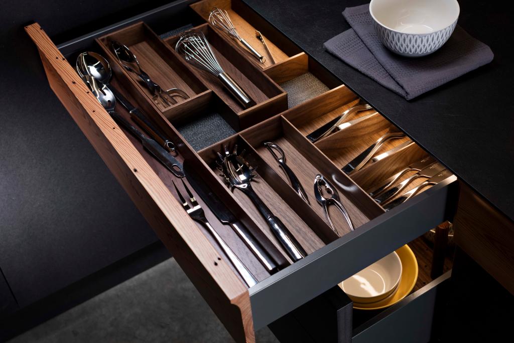 Customizable Cutlery Trays