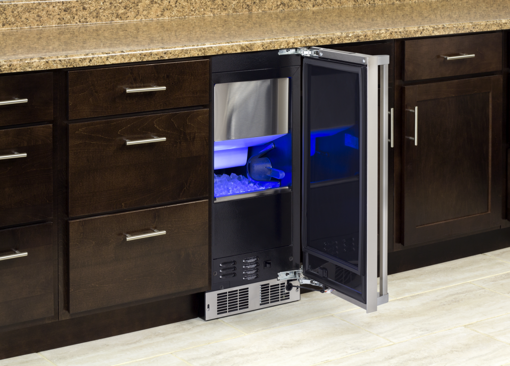 Clear Ice Machine with LED Lighting