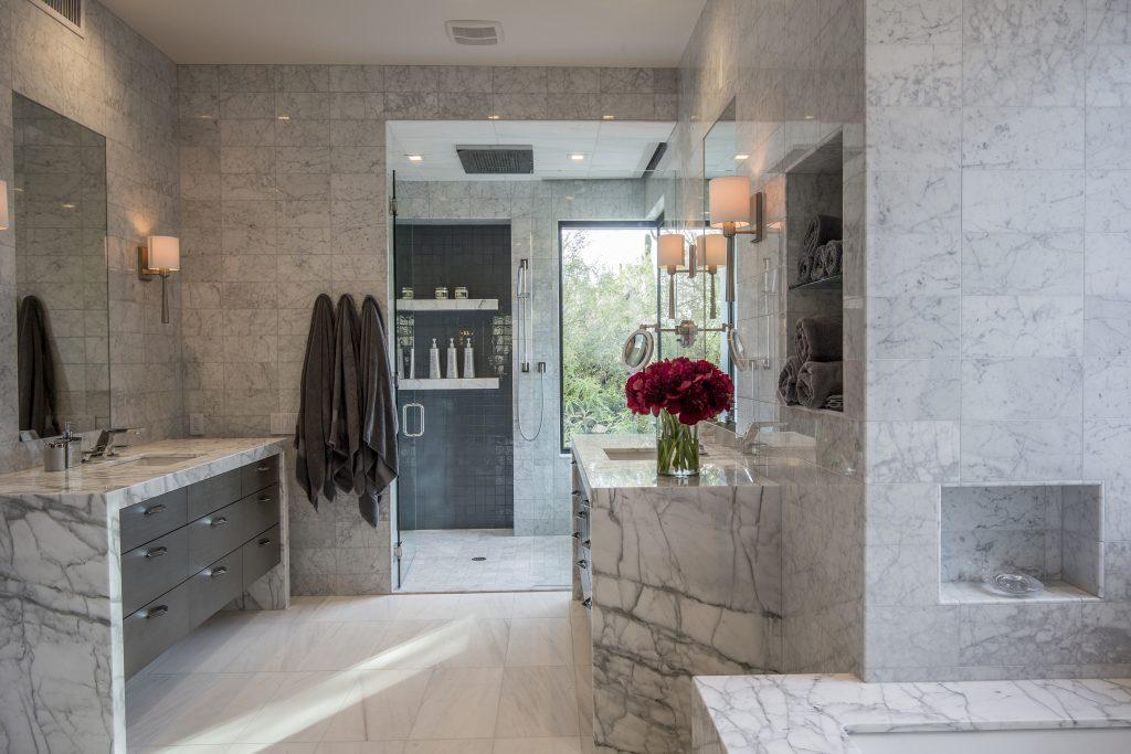Master Bath Over $50,000 – KBDA 2017 Silver Winner