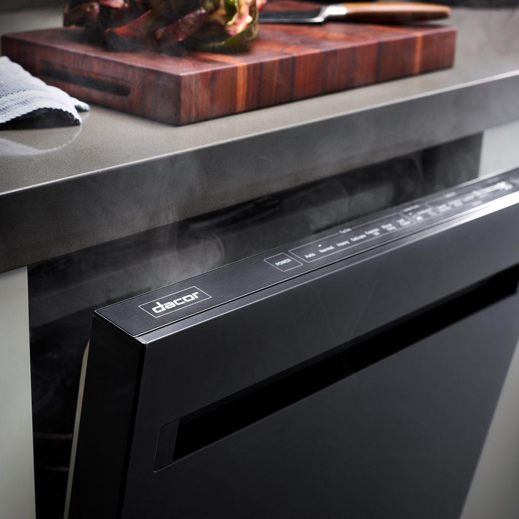 Large-Capacity Dishwasher