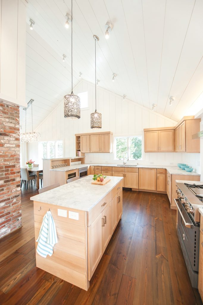 Kitchen Gets Light and Bright Overhaul