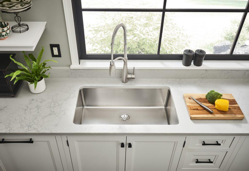 Linear grain stainless steel sinks