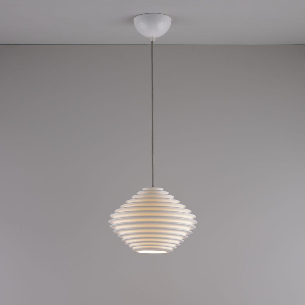 Horizontal Fin Pendant Light
