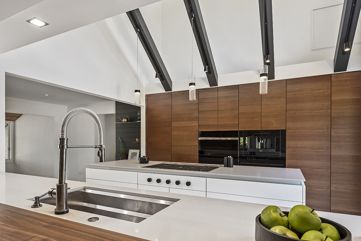 Dramatic Details and Beams
