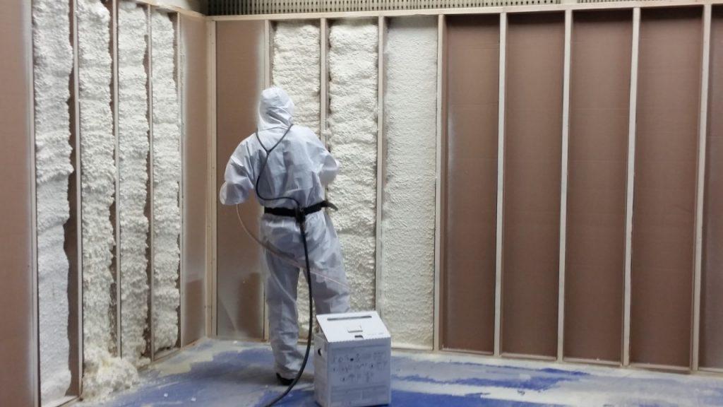 Contractor-grade spray foam ideal for smaller jobs