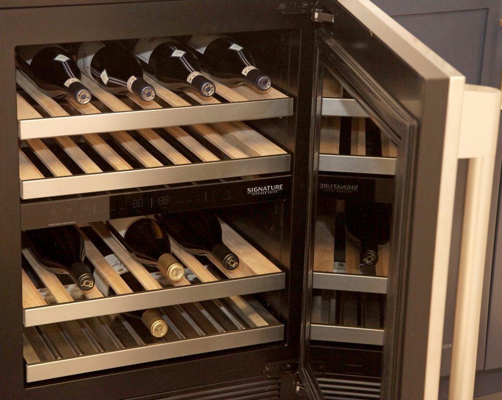 Undercounter Wine Column Refrigerator