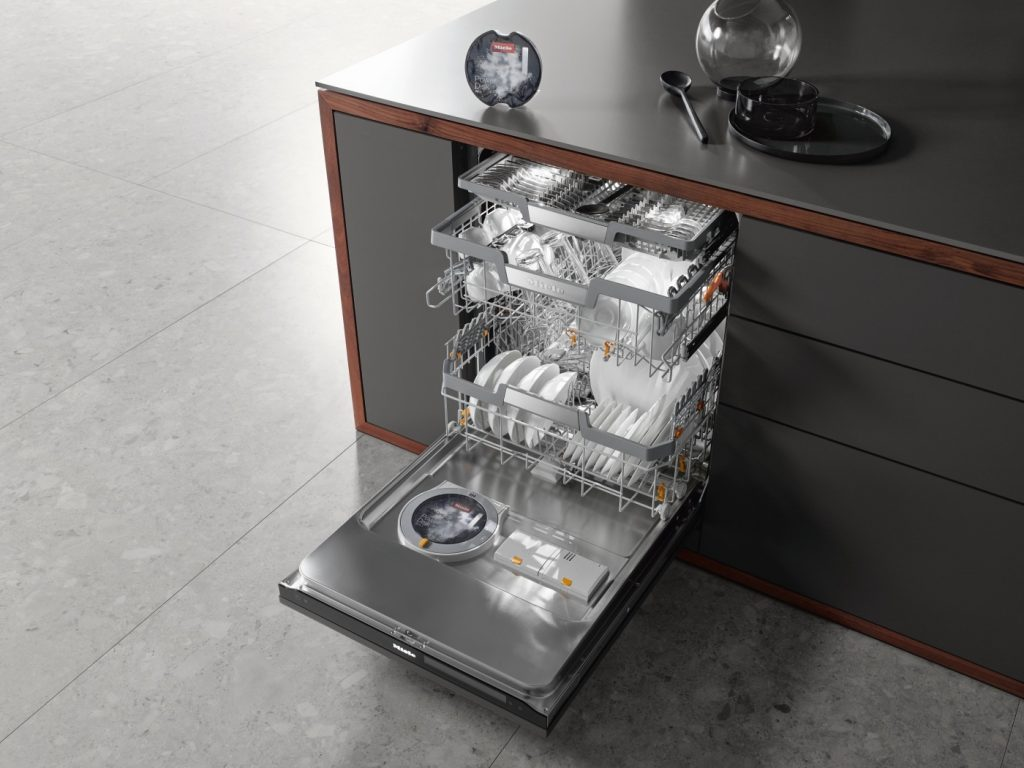 Dishwasher automatically dispenses right amount of detergent