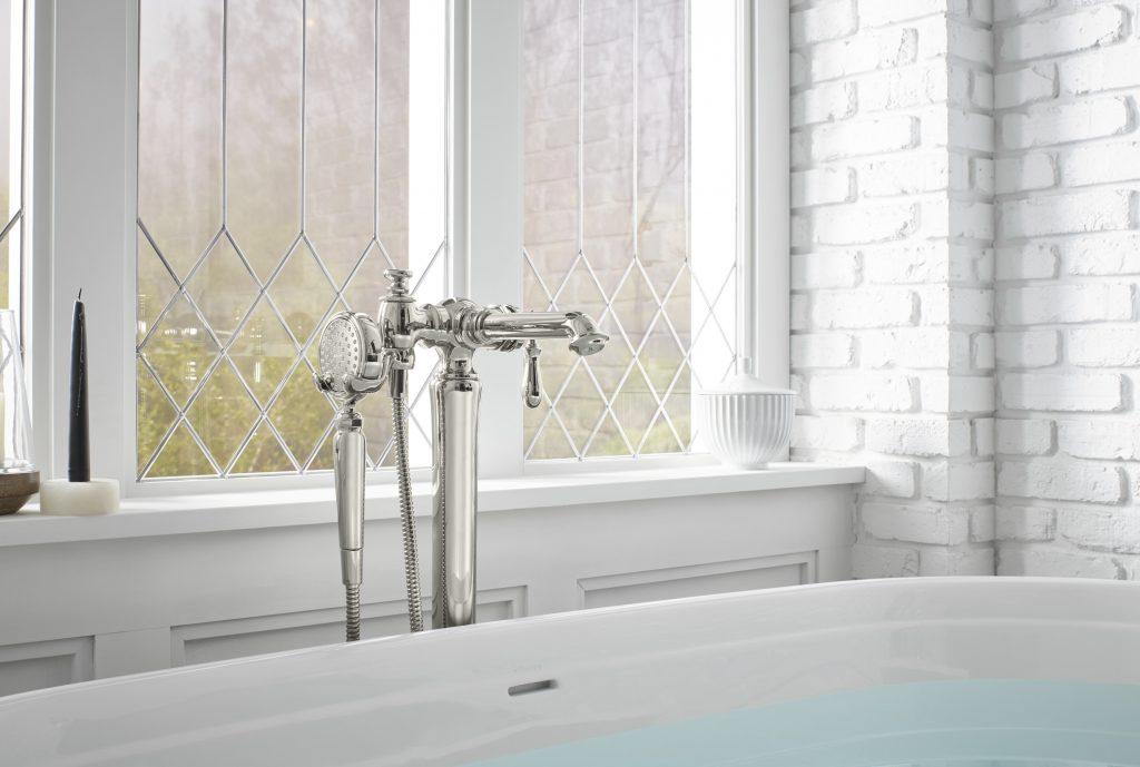 Floor-Mounted Bath Filler
