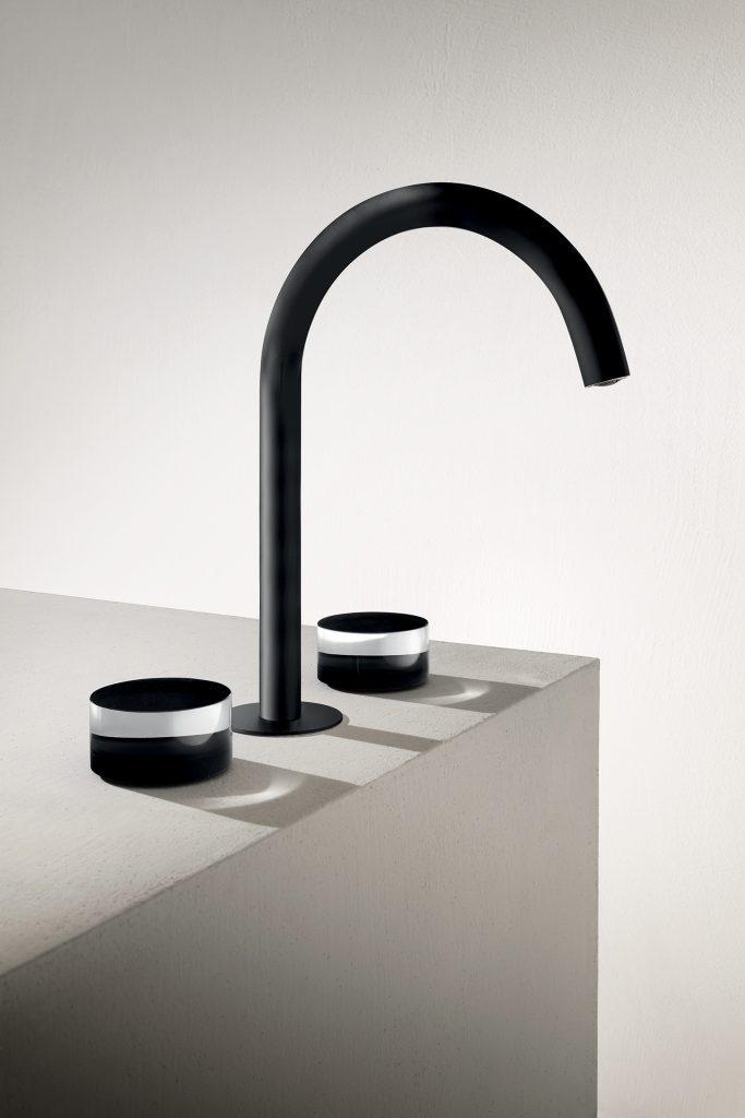Bath Faucet with Decorative Handles