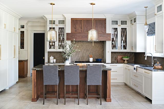 Two-tone Kitchen Solves 'What's Next?'