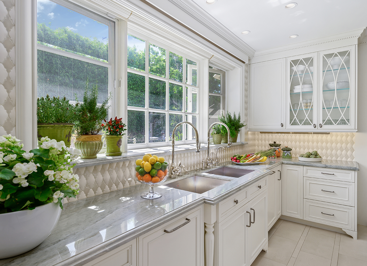 Christopher_Grubb_Traditional kitchen view 10