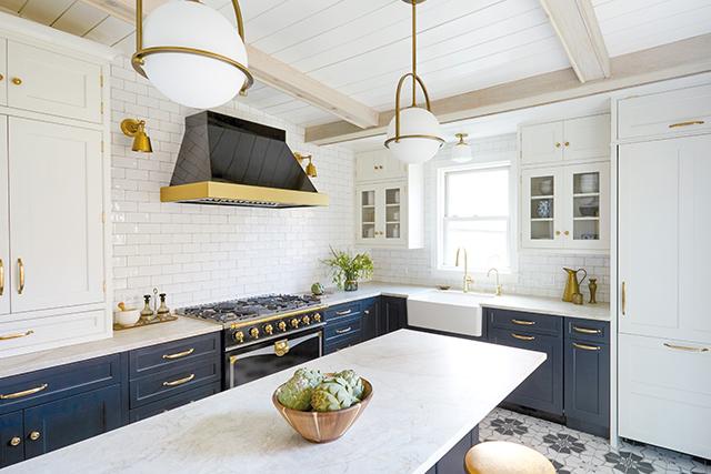 Builder-Grade Kitchen Becomes Beautiful