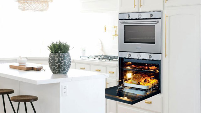 Gas wall-oven stands out with substantial oven cavity