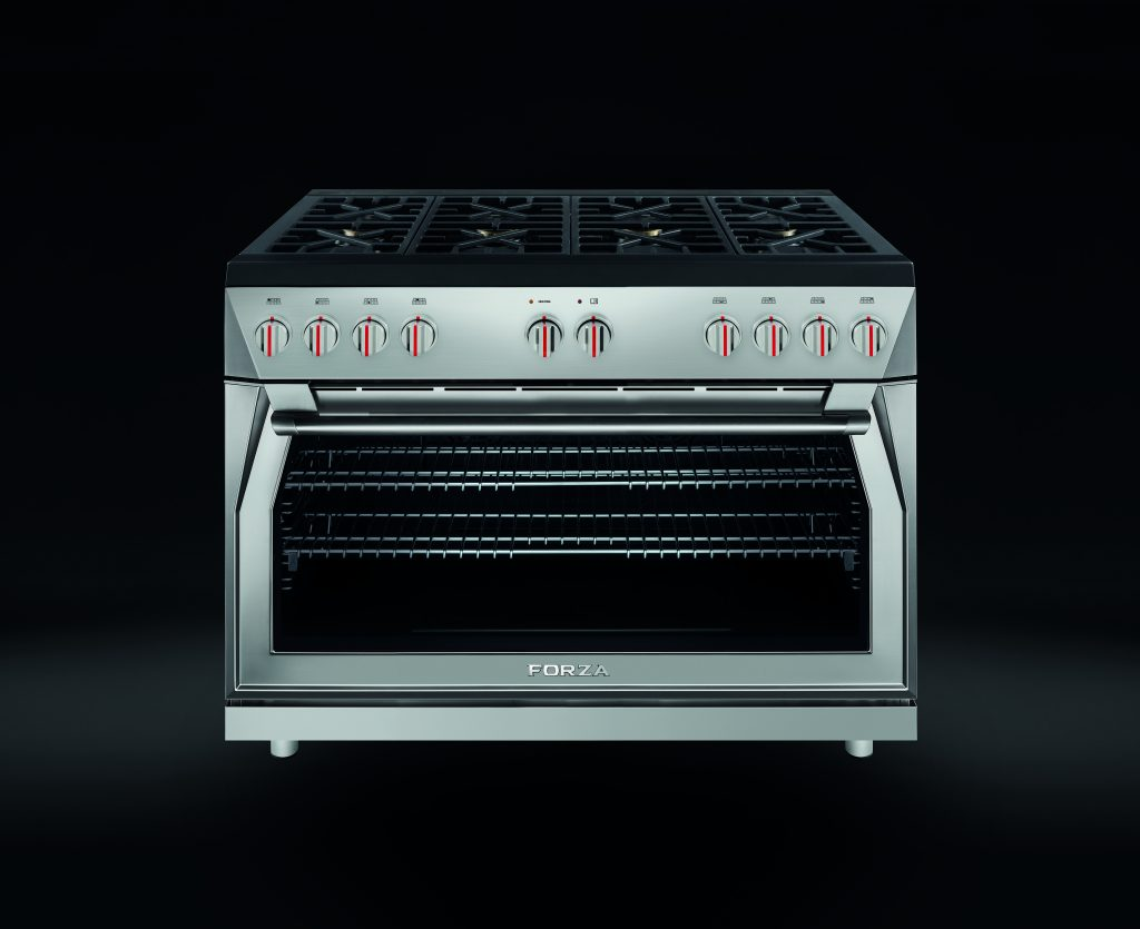 Range with Large Capacity Oven