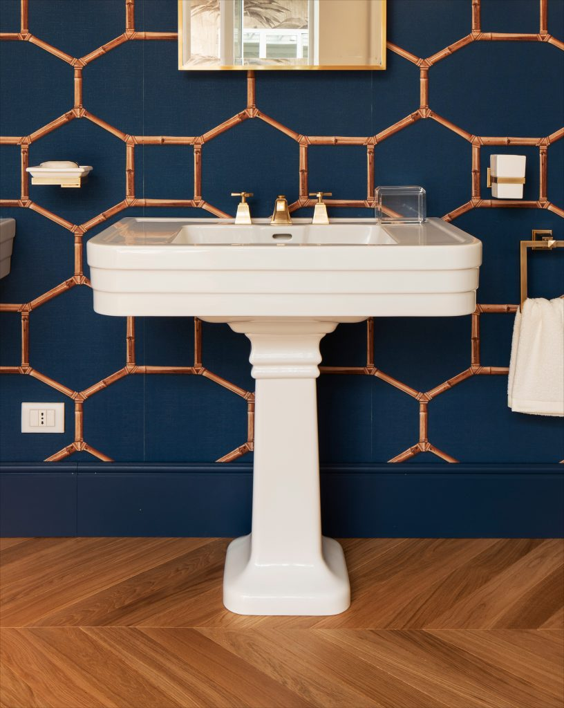 Art Deco-Style Pedestal Sink