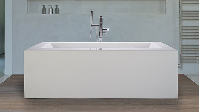 Bathtubs complement both traditional, modern décor