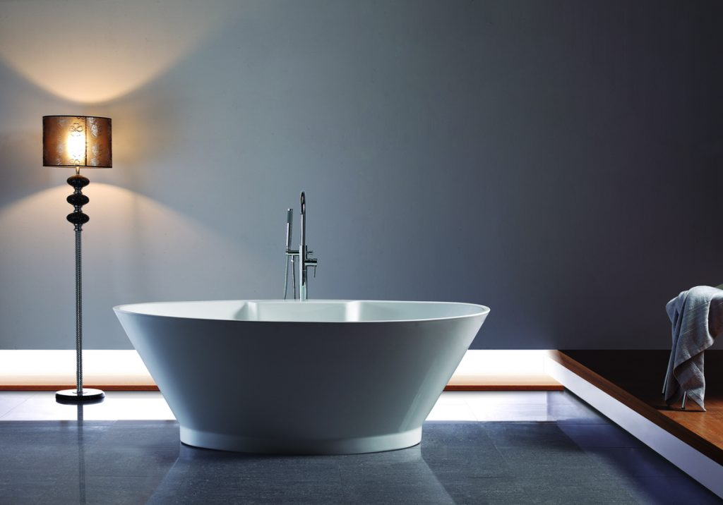 Sleek Freestanding Tub