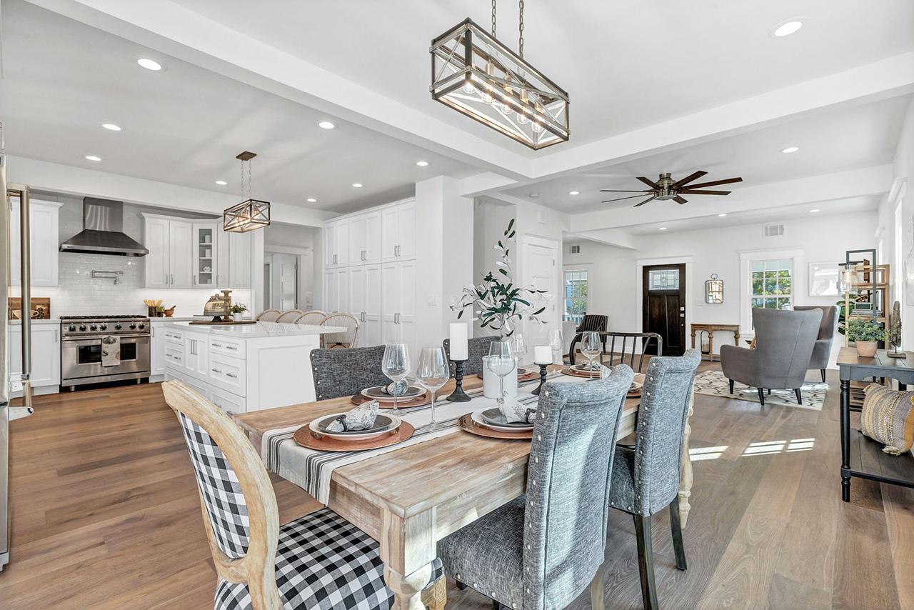 Craiker-12 Kitchen & Dining Area