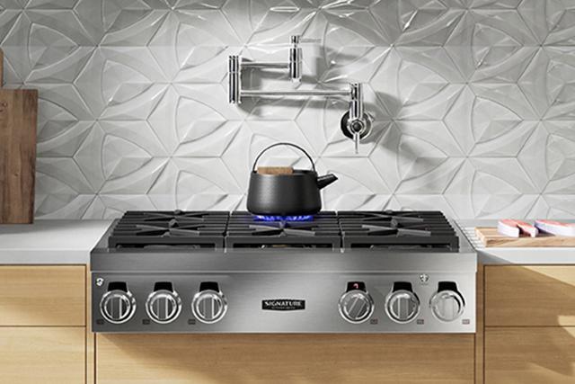 Rangetop features versatile burners