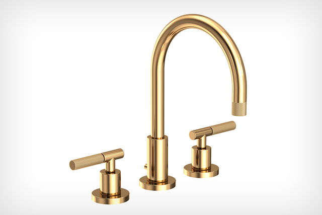 Collection with knurled details available for bath